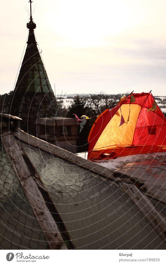 Bessere Aussicht Himmel grün Winter gelb Schnee Glas verrückt Dach Burg oder Schloss Schornstein Belgien Europa eigenwillig