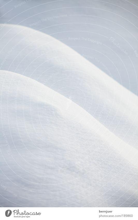 aufregende Kurven Schnee Hügel frisch Hintergrundbild abstrakt Menschenleer weiß Winter kalt Natur Landschaft Strukturen & Formen Tag Berghang ruhig