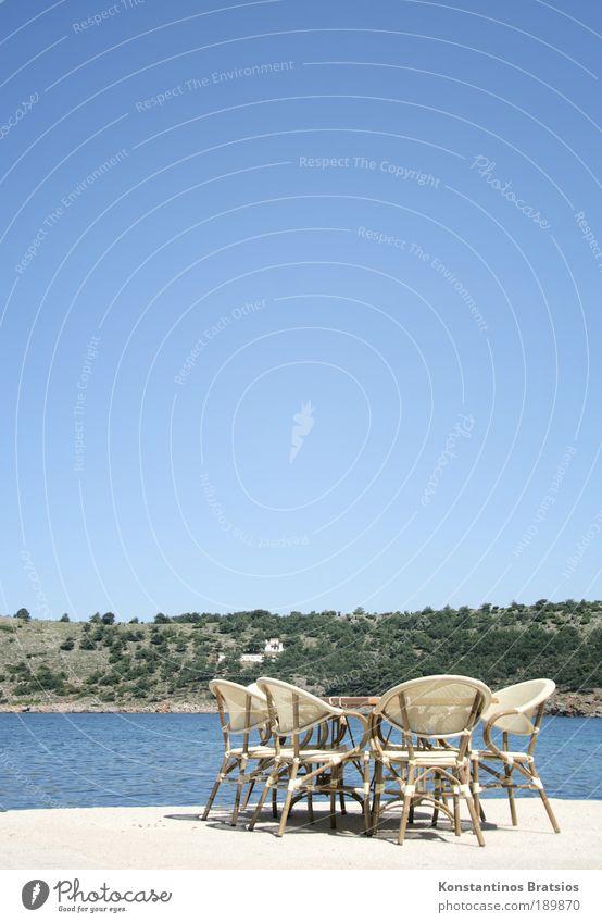 ~~~Bitte nehmen Sie Platz* Gastronomie Wolkenloser Himmel Sommer Schönes Wetter Hügel Mittelmeer hell schön Erholung Pause Dienstleistungsgewerbe Tourismus