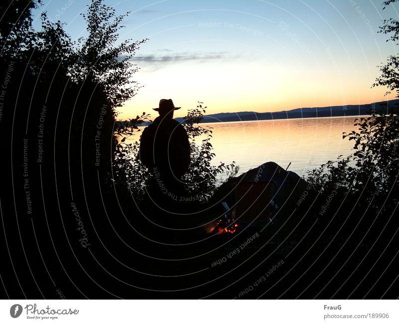 Abends am See (2) Erholung ruhig Ferien & Urlaub & Reisen Wasser Himmel Sonnenaufgang Sonnenuntergang Schönes Wetter Sträucher Seeufer Stein stehen natürlich