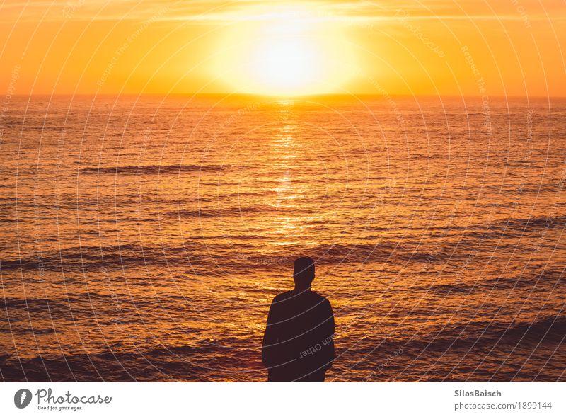Natur Ferien & Urlaub & Reisen Jugendliche Sommer Farbe Junger Mann Meer Freude Ferne Strand Leben Lifestyle Freiheit Horizont Ausflug wandern