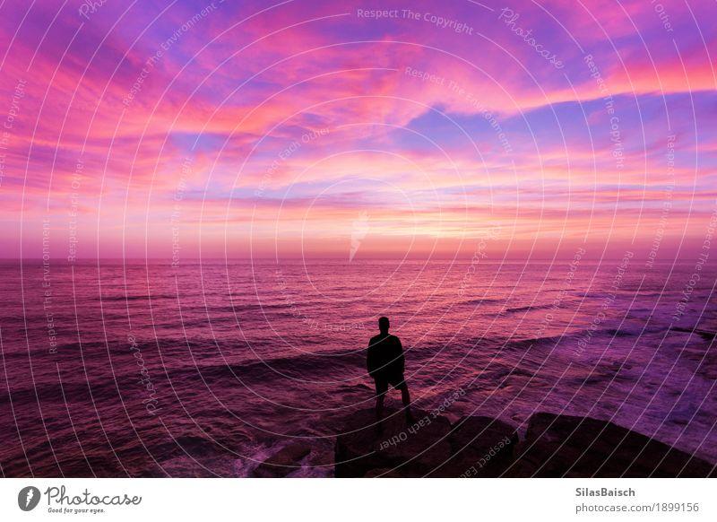Das erste Sonnenlicht Himmel Natur Ferien & Urlaub & Reisen Jugendliche Sommer Farbe schön Junger Mann Meer Landschaft Wolken Freude Umwelt Lifestyle Küste