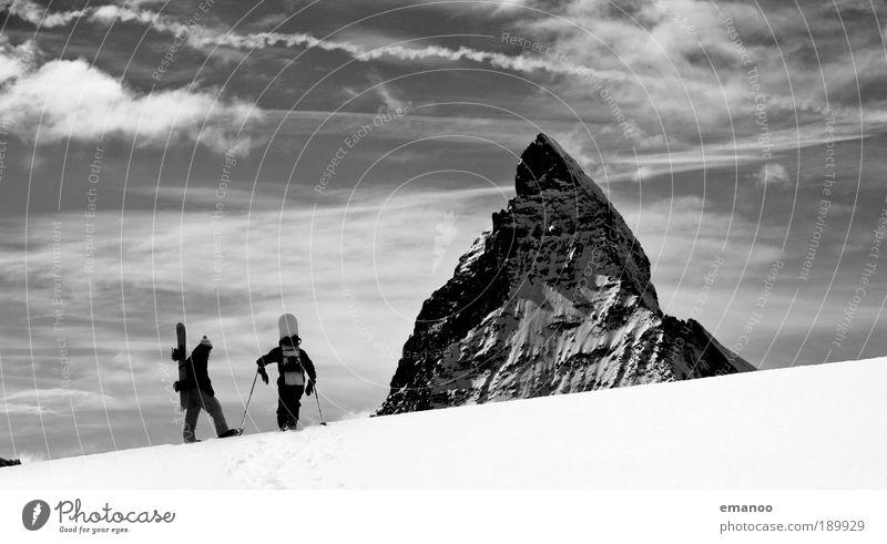 no borders for matterhorn boarders Mensch Winter Berge u. Gebirge Schnee Lifestyle Freiheit Freundschaft maskulin Wetter wandern laufen Klima Schönes Wetter Abenteuer Gipfel sportlich