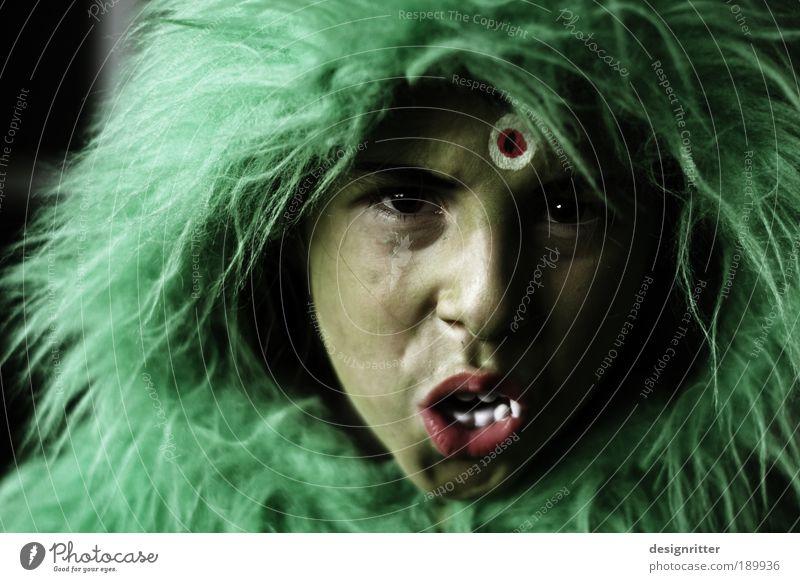 Kannst du mein Monster halten? schön grün Auge Feste & Feiern Angst gefährlich Maske Karneval wild Wut Fell gruselig Kindheit Mut Schminke