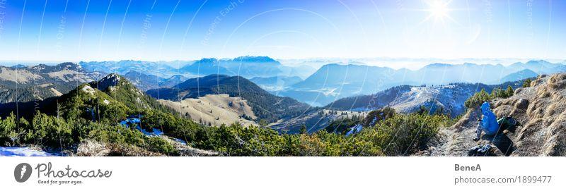 Frau sitzt am Gipfel vor Alpenpanorama am Trainsjoch Himmel Natur Ferien & Urlaub & Reisen Sonne Landschaft Erholung Einsamkeit Freude Berge u. Gebirge