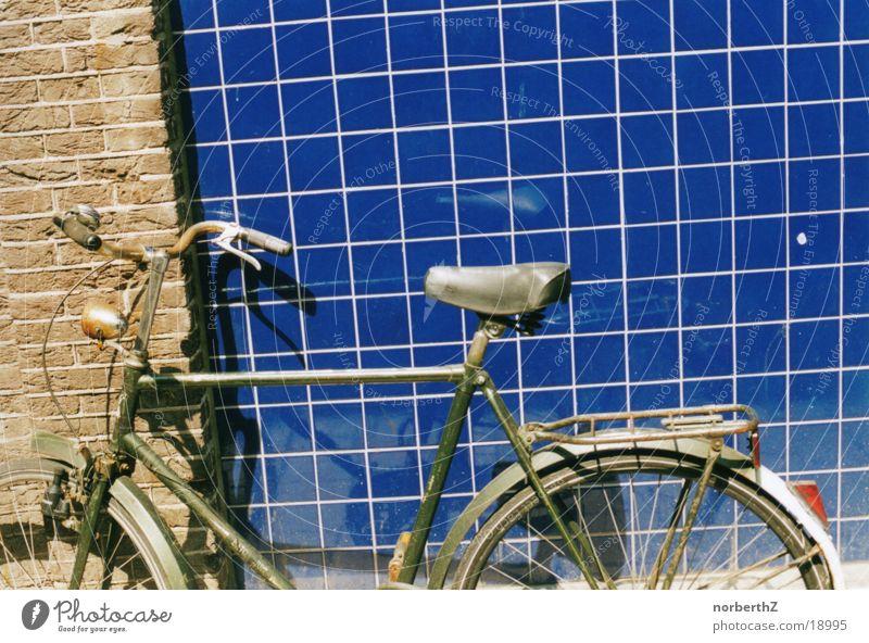 Fahrrad unbenutzt dreckig Freizeit & Hobby Fliesen u. Kacheln