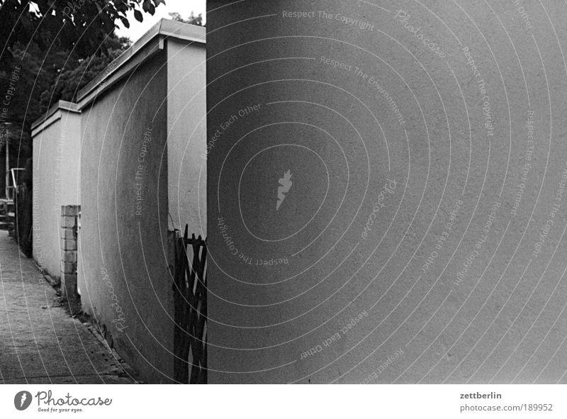 Wände Haus Wand Garage Mauer gemauert Putz Rückseite Gott Güte Getty Center Gate Ghetto getaut gehen Wohnsiedlung Nachbar Zaun Abend Dämmerung Vorspiel