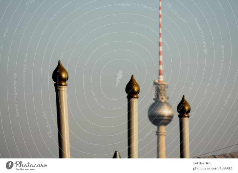 Fernsehturm Berlin Asien Kultur Berliner Fernsehturm Zirkus Stab Kulisse Alexanderplatz Kuppeldach Naher und Mittlerer Osten