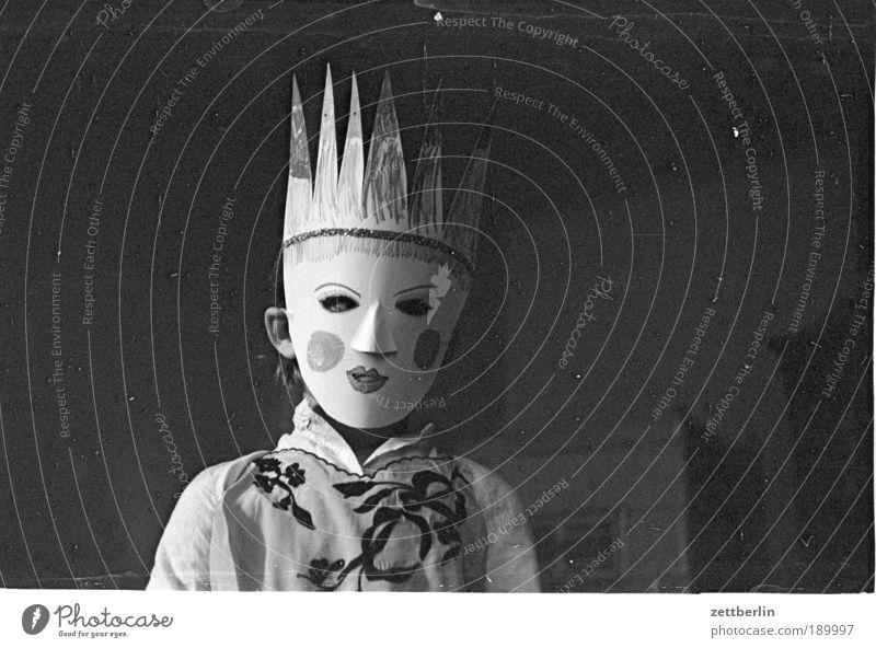 Paula Maske Karneval Karnevalskostüm Prinzessin Krone Gesicht Mädchen