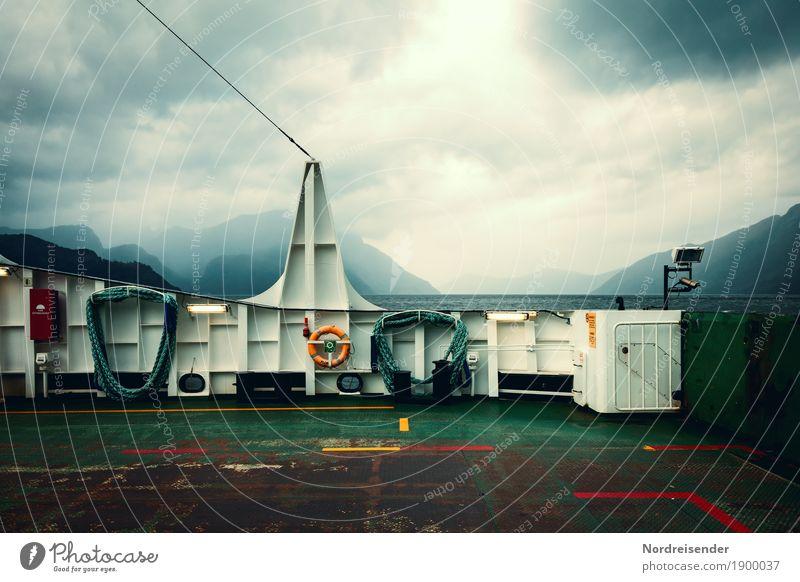 Ghost Ship Ferne Sightseeing Meer Beruf Güterverkehr & Logistik Landschaft Urelemente Luft Wasser Himmel Wolken Gewitterwolken Klima schlechtes Wetter Unwetter