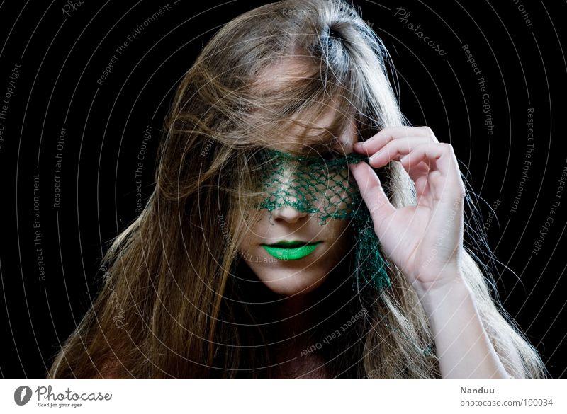 Durchgeblickt elegant Stil Haare & Frisuren Gesicht Kosmetik Schminke Lippenstift Mensch feminin Junge Frau Jugendliche 1 18-30 Jahre Erwachsene Maske brünett