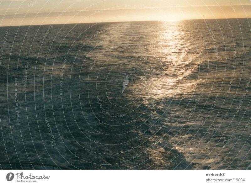 Meer Wasser Wasserfahrzeug Wellen
