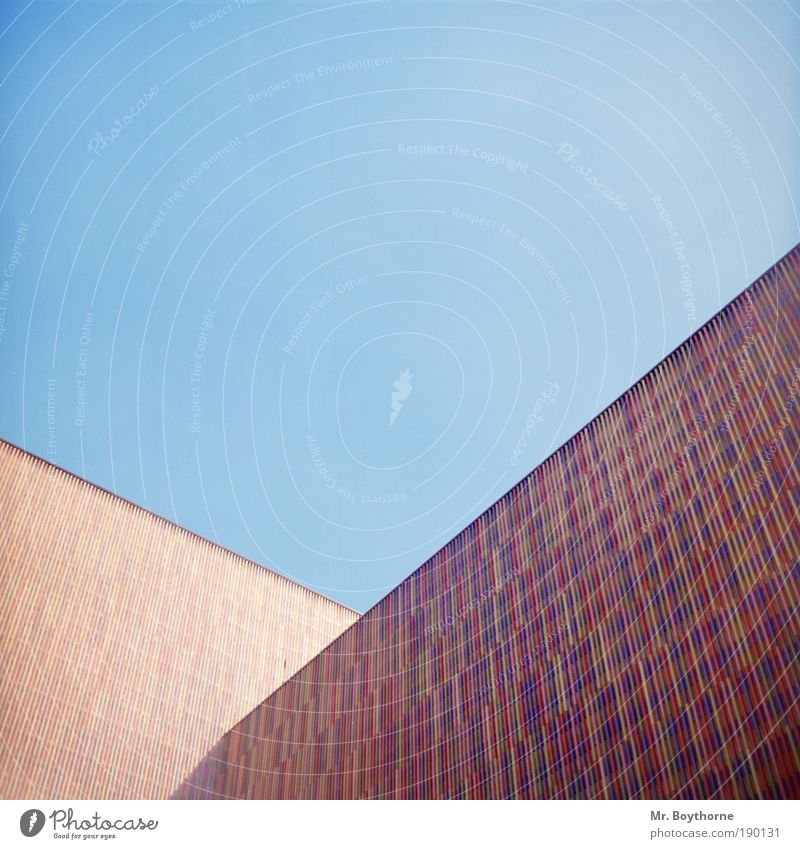 Polymorphe Polygone Stadt ruhig Ferne Wand Mauer Zufriedenheit Kunst Architektur Fassade modern Ordnung ästhetisch Perspektive Bayern Wandel & Veränderung