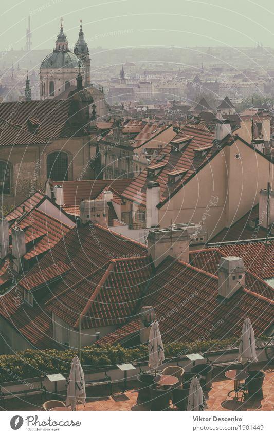 Freiluftcafé auf rotem Ziegeldach schön Ferien & Urlaub & Reisen Tourismus Ausflug Haus Erde Himmel Wolken Wetter Hügel Platz Gebäude Architektur alt historisch