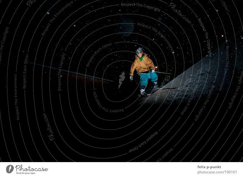 skifahren mal anders IV Jugendliche Mann Junger Mann 18-30 Jahre Erwachsene Sport Lifestyle außergewöhnlich springen maskulin verrückt Geschwindigkeit Fitness