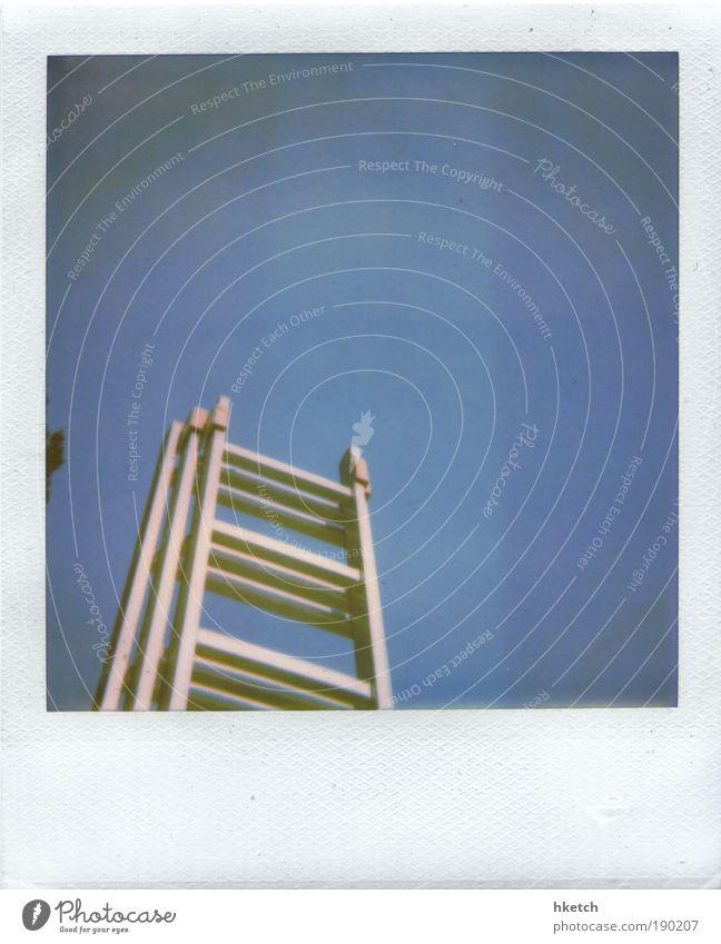 Stairway to Heaven ? Himmel Arbeit & Erwerbstätigkeit oben Polaroid Erfolg groß hoch Hoffnung Wachstum retro Baustelle Klettern streichen Handwerk Beruf Leiter