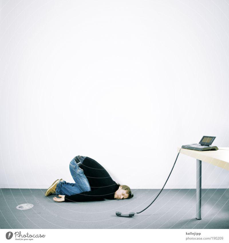 warteschleife Mensch Mann Erwachsene Leben Möbel Arbeit & Erwerbstätigkeit Business maskulin Büro Tisch schlafen Technik & Technologie Telekommunikation Telefon