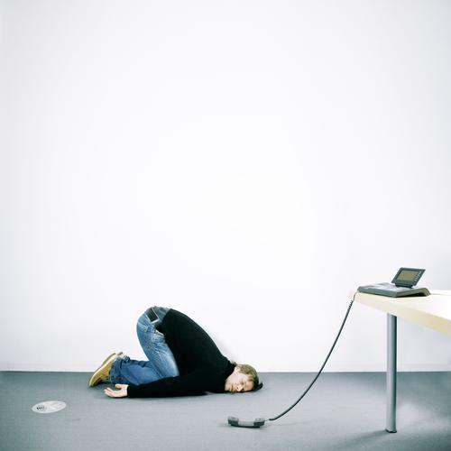 warteschleife Tisch Arbeit & Erwerbstätigkeit Beruf Büroarbeit Arbeitsplatz Wirtschaft Dienstleistungsgewerbe Medienbranche Werbebranche Telekommunikation