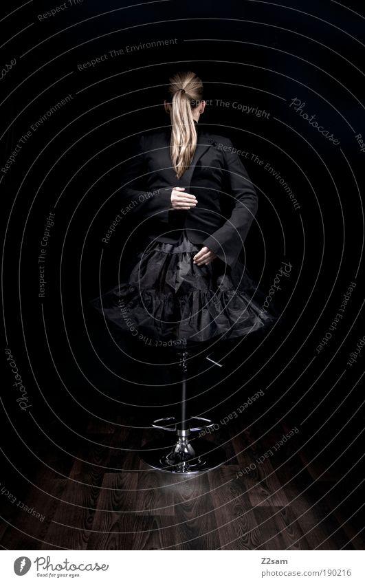 germanys next top dämon Stil Design Mensch feminin Haare & Frisuren 18-30 Jahre Jugendliche Erwachsene Skulptur Mode Bekleidung Rock blond Puppe ästhetisch