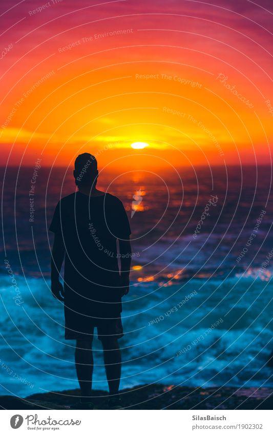 Traumwelt Natur Ferien & Urlaub & Reisen Jugendliche Junger Mann Meer Freude Ferne Strand Lifestyle Stil Glück Freiheit Stimmung Design träumen Ausflug