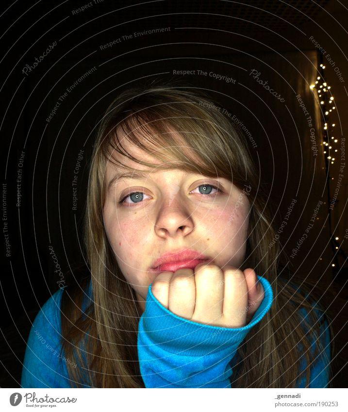 DIE kaddi Haare & Frisuren Gesicht Nachtleben Mensch feminin Junge Frau Jugendliche Erwachsene Kopf Auge Nase Mund Lippen Hand Finger 1 Gemälde Pullover brünett