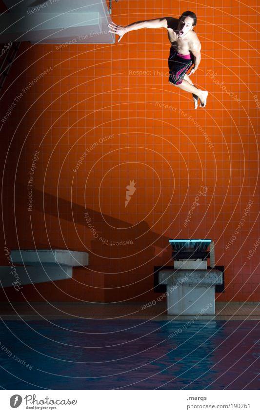 Abstand Jugendliche Freude Sport Leben springen Stil Bewegung orange Gesundheit Erwachsene maskulin fliegen Erfolg Lifestyle Coolness Schwimmbad