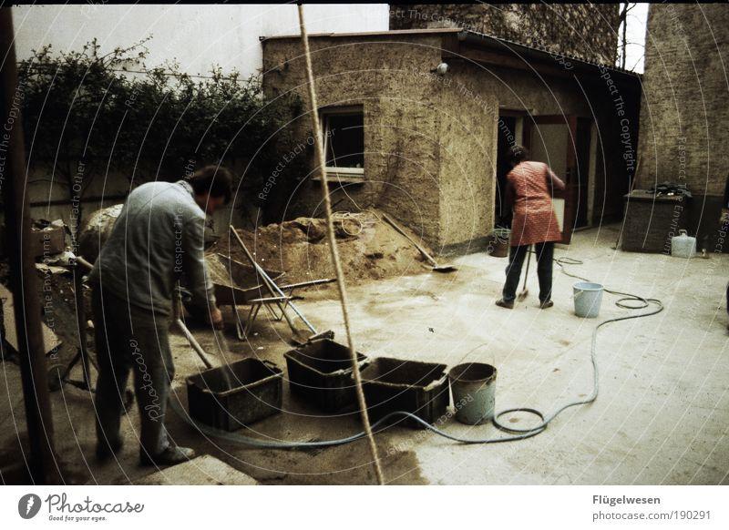 Der Traum vom eigenen Haus Kunst Erde Arbeit & Erwerbstätigkeit Kraft Wohnung Freizeit & Hobby maskulin Erfolg Lifestyle Häusliches Leben Macht Baustelle Beruf