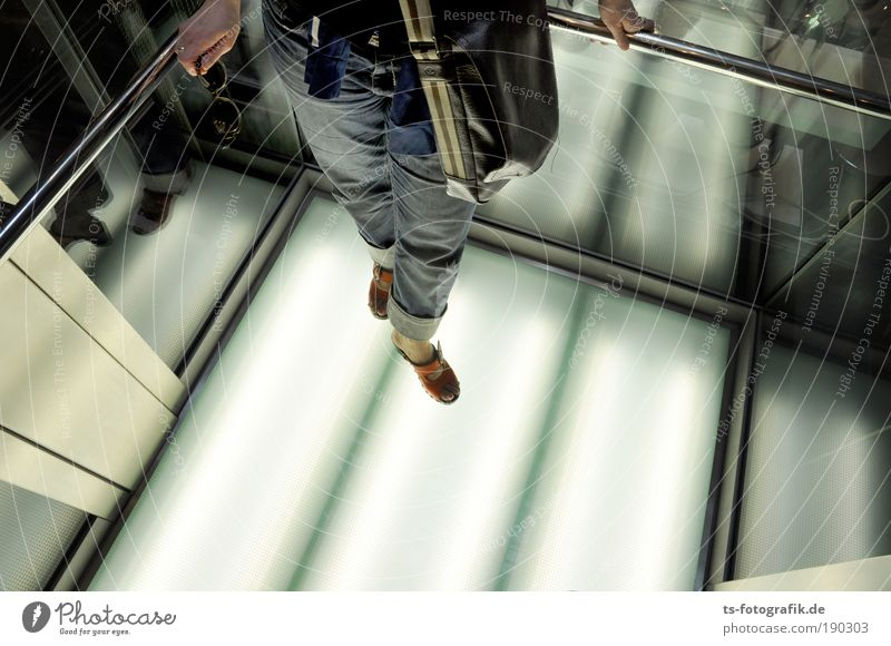 Beam me up! Mensch Frau Jugendliche weiß Erwachsene kalt Beine Metall hell Fuß Glas warten außergewöhnlich leuchten stehen Coolness