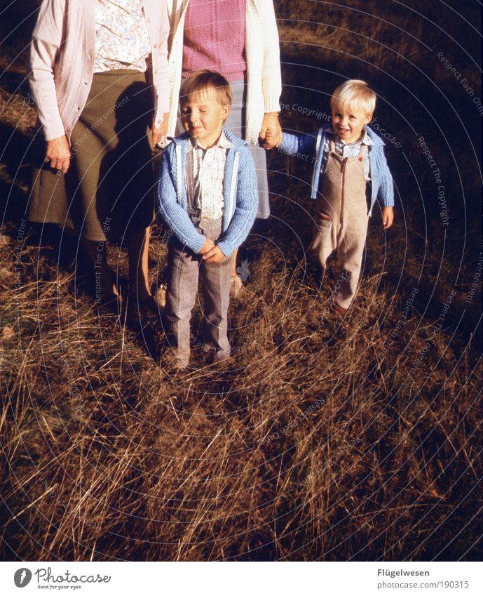Unbeschwerte Kindheit Natur schön Familie & Verwandtschaft Ferien & Urlaub & Reisen Freude Wiese Spielen Umwelt Junge Park Freizeit & Hobby Kraft Erfolg Klima