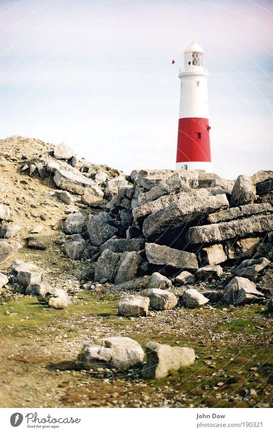 Analoge Navigationshilfe Ferien & Urlaub & Reisen Ausflug Landschaft Himmel Schönes Wetter Hügel Felsen Turm Leuchtturm Architektur Sehenswürdigkeit Sicherheit