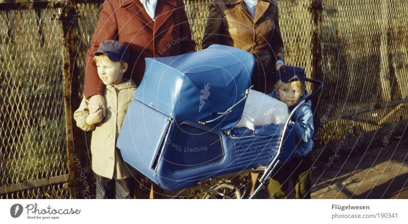 Wie noch ne Schwester? Mensch Junge Herbst Spielen Familie & Verwandtschaft Freundschaft Baby Zusammensein blond Ausflug Lifestyle Kind Ferien & Urlaub & Reisen