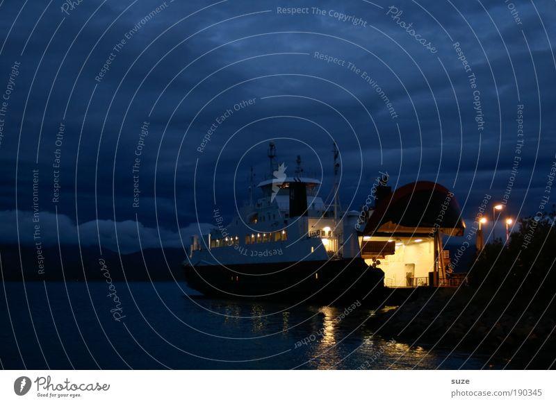 Nachtschicht ruhig Ferien & Urlaub & Reisen Freiheit Meer Berge u. Gebirge Umwelt Wasser Himmel Wolken Küste Brücke Schifffahrt Fähre Wasserfahrzeug dunkel frei