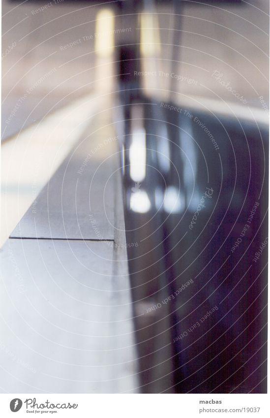 seltsame Fuge Rolltreppe Gleise Schlitz Unschärfe Muster Hintergrundbild Stadt Fototechnik Metall Flucht Linie Arbeit & Erwerbstätigkeit Industriefotografie