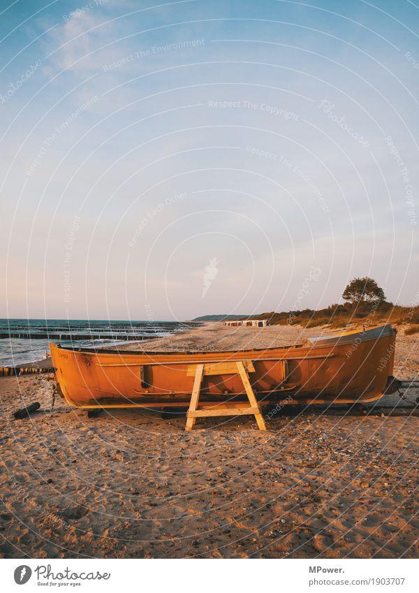 fischerboot Umwelt Natur Himmel Wolken Sommer Wellen Küste Strand Ostsee Meer Wasserfahrzeug Schifffahrt Bootsfahrt Motorboot Beiboot alt Sand Baum Fischerboot