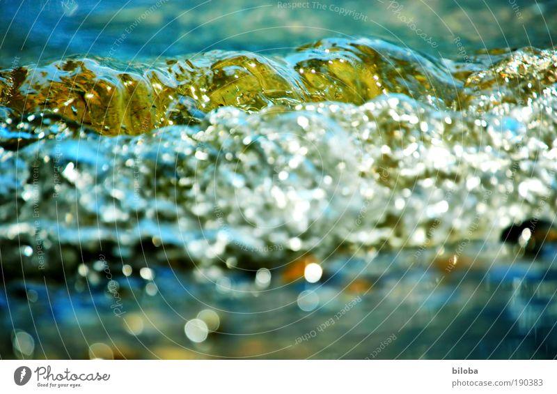 Wilde Wasser! Natur Wasser weiß grün blau Sommer gelb Wellen Umwelt Wassertropfen Landschaftsformen Klima Seeufer Urelemente Froschperspektive HDR