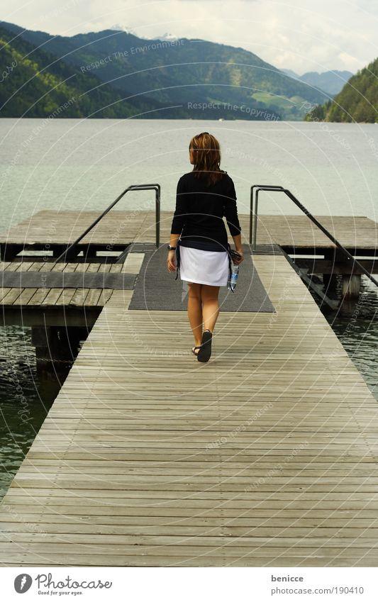 Walk Mensch Wasser Sonne Sommer Ferien & Urlaub & Reisen Einsamkeit Berge u. Gebirge Frühling Holz Wege & Pfade See gehen Europa Aussicht Spaziergang Ziel
