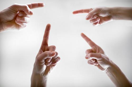 da, da, da | Orientierung Mensch Hand Lifestyle Menschengruppe Zusammensein Freizeit & Hobby Kommunizieren Finger Ziel Richtung Zusammenhalt zeigen Irritation