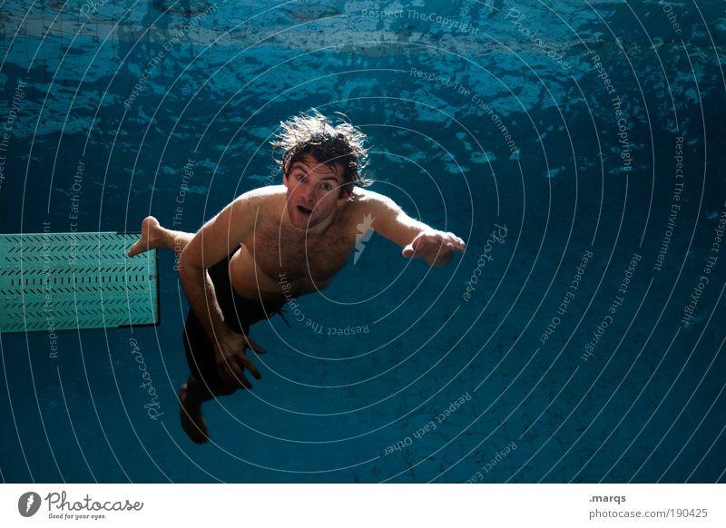 Freeze Mensch Jugendliche blau Freude Sport Leben Lebenslauf springen Stil Farbfoto Behaarung Haare & Frisuren Blick Vogelperspektive Gesundheit Erwachsene