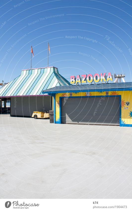 Santa Cruz Boardwalk –Bazooka Freude Spielen Jahrmarkt Dach Rolltor Schriftzeichen Schilder & Markierungen frisch positiv blau gelb rosa türkis