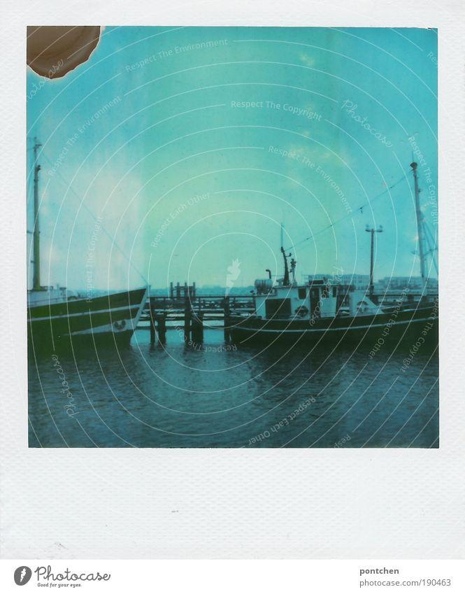 Polaroid zeigt Schiffe in einem Hafen Freizeit & Hobby Ferien & Urlaub & Reisen Tourismus Ausflug Ferne Freiheit Kreuzfahrt Segeln Arbeit & Erwerbstätigkeit