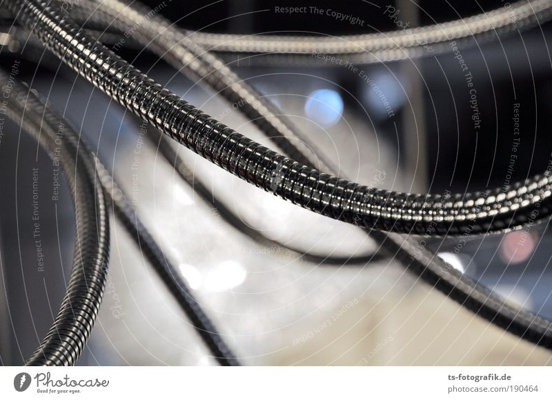 Al dente kalt Metall Linie Elektrizität Kabel Netzwerk bedrohlich Schnur Stahl Eisenrohr chaotisch hängen Kurve Muster silber Leitung