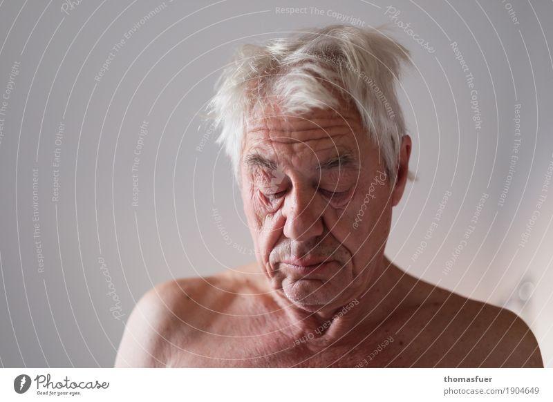 Good Morning Sunshine ... Mensch Mann alt nackt Gesicht Leben Traurigkeit Senior Zeit Denken Kopf Stimmung maskulin 60 und älter Vergänglichkeit