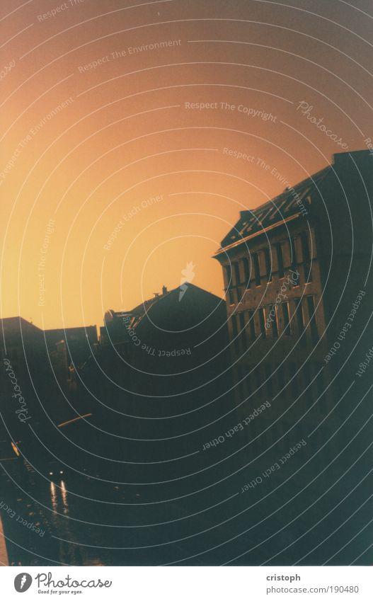 früher alt Stadt ruhig Wärme Stimmung Nebel gold analog Altstadt
