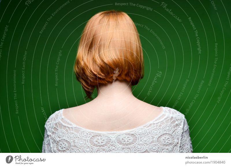 MP112 - If we don't leave this town.. elegant Stil schön Haare & Frisuren Meditation ausgehen Azubi Praktikum Studium Student Friseur feminin Junge Frau
