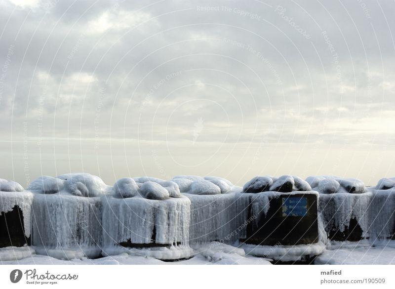 Breaking The Waves Wasser Himmel weiß blau Winter Strand schwarz Wolken Schnee grau Luft Eis braun Küste warten Wetter