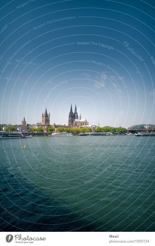 Köln Wasser Himmel Wolken Sommer Schönes Wetter Flussufer Stadtzentrum Skyline Dom Brücke Sehenswürdigkeit Glück Farbfoto mehrfarbig Außenaufnahme Menschenleer