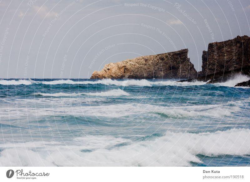 Einschnitt Natur Urelemente Wasser Herbst Klima Klimawandel schlechtes Wetter Unwetter Sturm Wellen Küste Strand Riff Meer Mittelmeer Insel Mallorca Ärger