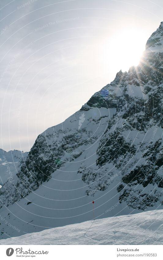 Das ist ja wohl der Gipfel! weiß blau Ferien & Urlaub & Reisen Winter kalt Schnee Berge u. Gebirge grau Glück Eis gefährlich Frost Alpen Klettern Schönes Wetter