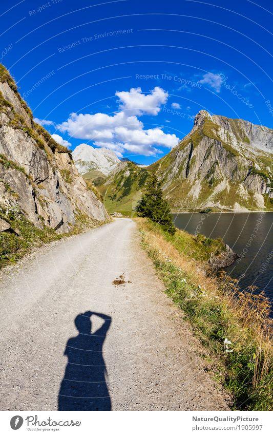 spullersea in austria Sommer wandern Mensch Mann Erwachsene 1 Natur Landschaft Himmel Wolken Alpen Berge u. Gebirge Gipfel gigantisch hoch retro grün spullersee
