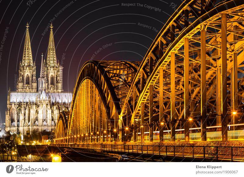 Kölner Dom und Hohenzollernbrücke bei Nacht Winter Deutschland Europa Stadt Hafenstadt Stadtzentrum Altstadt Skyline bevölkert Kirche Brücke Bauwerk Gebäude